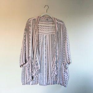 Urban Outfitters | Ecote Blush Patterned Kimono